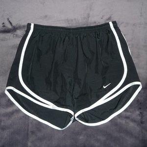 Nike Dri-Fit Tempo Run Shorts S